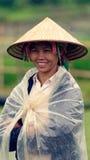 Stående av den traditionella kvinnan, Sapa dal, Vietnam royaltyfri foto