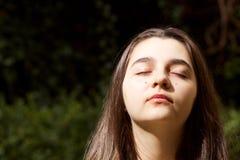 Stående av den trevliga tonårs- flickan Fotografering för Bildbyråer