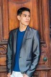 Stående av den unga asiatiska amerikanska affärsmannen i New York Royaltyfria Bilder