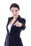 Stående av den unga härliga affärskvinnan som pekar på dig isolat Royaltyfri Fotografi