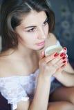 Stående av den unga härliga flickan Royaltyfri Fotografi