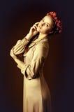 Stående av den unga kvinnan Royaltyfria Foton