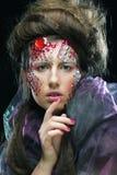 Stående av den unga kvinnan med idérik anlete, halloween bild Royaltyfria Foton