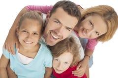 Stående av den unga lyckliga caucasian familjen tillsammans Royaltyfria Bilder