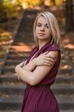 Stående av den unga vita flickan Royaltyfri Fotografi
