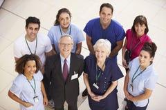 Stående av det medicinska laget för sjukhus arkivfoton