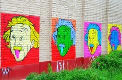 Stående av Einstein på väggen royaltyfria bilder