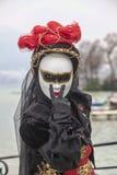 Stående av en förklädd person Arkivfoto