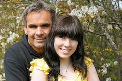 Stående av en fader med hans dotter arkivbild