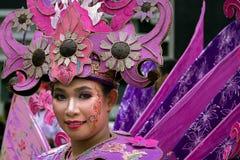 Stående av en flicka med fantasidräkten på den Asien Afrika festivalen arkivfoto