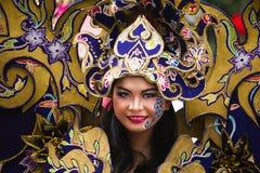Stående av en flicka med fantasidräkten på den Asien Afrika festivalen fotografering för bildbyråer
