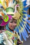 Stående av en flicka med fantasidräkten på västra Java Folk Arts Festival royaltyfria bilder