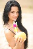 Stående av en flicka på stranden Royaltyfri Foto