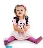 Stående av en gullig liten flicka Arkivbild
