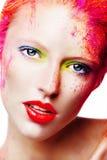 Stående av en härlig flicka, färgrik makeup Arkivbild