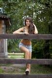 Stående av en härlig kvinna i sexiga kortslutningar Royaltyfria Foton