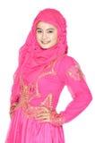Stående av en härlig muslimkvinna Royaltyfri Bild