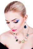 Stående av en härlig ung flicka med yrkesmässig makeup Royaltyfria Foton