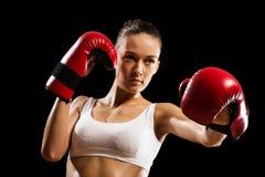 Stående av en kvinnaboxare Royaltyfri Foto