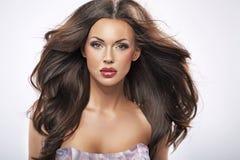 Stående av en kvinnlig skönhet för göra perfekt Fotografering för Bildbyråer