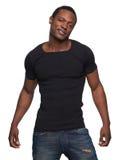 Kyla afrikansk amerikanmanen i jeans Royaltyfri Bild