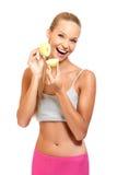 Stående av en leka kvinna med äpplen Arkivbild