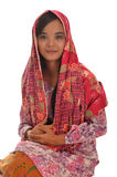 Stående av en malajiska kvinna med kebaya på vit bakgrund Royaltyfri Bild