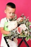 Stående av en pojke royaltyfria foton