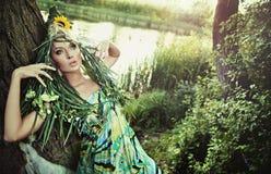 Stående av en skönhetkvinna royaltyfri fotografi