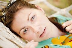 Stående av en ung flicka fotografering för bildbyråer