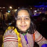 Stående av en ung indisk kvinna utan någon makeup Royaltyfri Foto