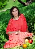 Stående av en ung kvinna Royaltyfri Bild