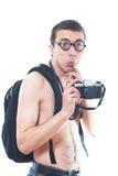 Stående av en ung nerd med den gammalmodiga kameran royaltyfria bilder