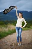 Stående av en utomhus- ung kvinna Royaltyfri Bild