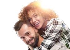 Stående av ett gladlynt och lyckligt gift par arkivbild