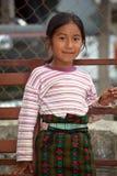Stående av ett Mayan barn Arkivfoton