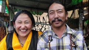 Stående av försäljaren på den Jokhang templet i Tibet Royaltyfri Fotografi
