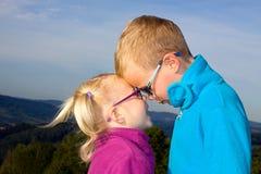 Stående av flicka- och pojkesiblingen Fotografering för Bildbyråer