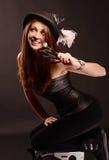 Stående av flickamakeupkonstnären med borstar Royaltyfri Foto