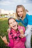 Stående av härliga le tonåriga flickor arkivfoton