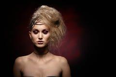 Stående av kvinnan i halloween makeup Royaltyfri Bild