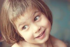Stående av lilla flickan Arkivfoton