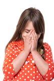 Stående av lilla flickan som täcker hennes framsida med händer Arkivfoton
