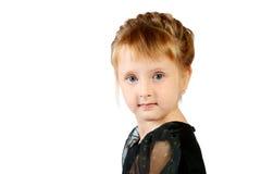 Stående av liten flicka med fräknar arkivbilder