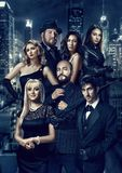 Stående av män och kvinnor i stilen av noir Kriminalare, hitman, spion, hemligt medel, änka och vittne till mordet royaltyfria foton