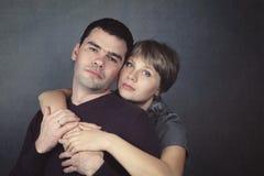 Stående av en man och en kvinna Royaltyfri Fotografi