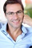 Stående av mannen med exponeringsglas fotografering för bildbyråer