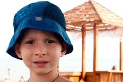 Stående av pojken med en SAD look Arkivbilder
