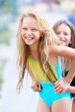 Stående av två flickor av flickvänner Royaltyfria Foton