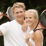 Stående av unga tennisspelare Arkivbild